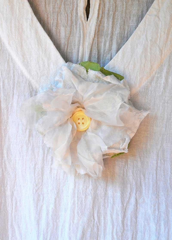 White flower brooch white flower brooch chercher la femme mightylinksfo